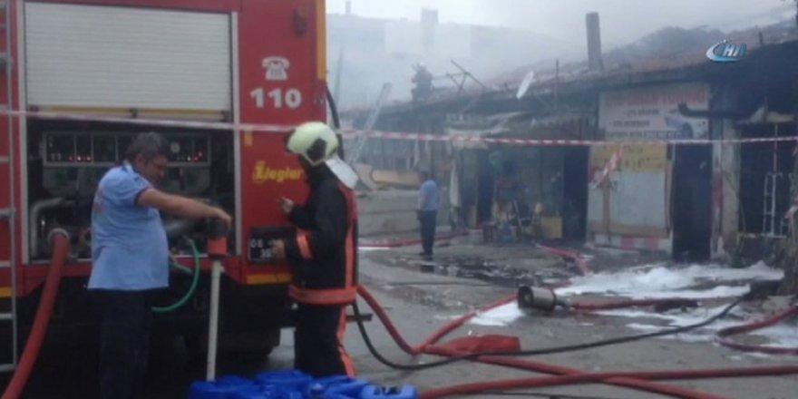 Ankara'da yangın: Çok sayıda iş yeri küle döndü