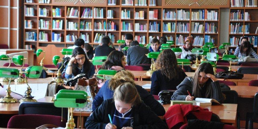Üniversiteyi kazanamayanlara ek kontenjan fırsatı