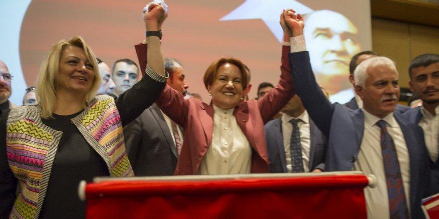 Meral Akşener'in partisine katılacağını açıkladı