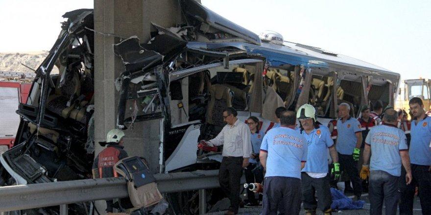 Ankara'da feci kaza: 5 ölü !