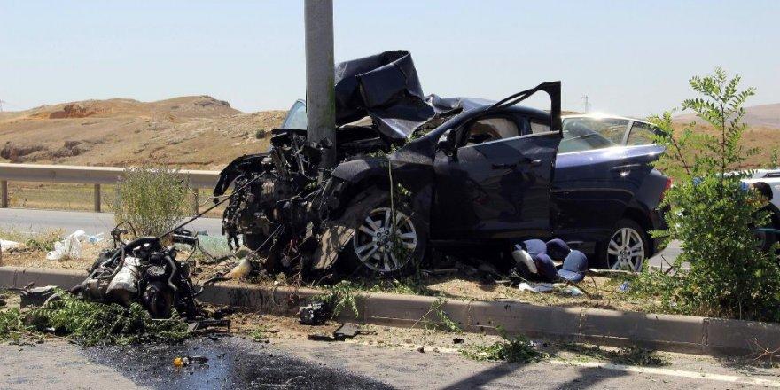 Ters yöne giren araç, dekan ve oğlunun ölümüne neden oldu