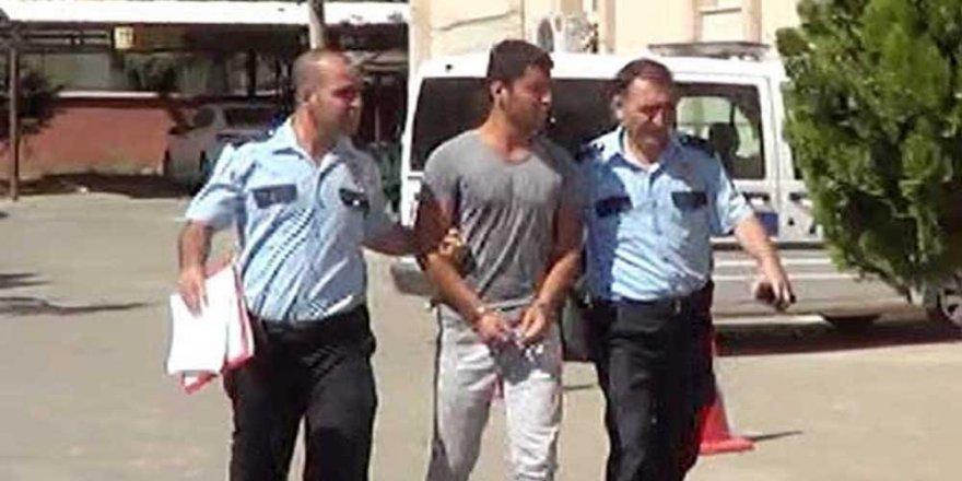 Kadın öğretmene uçan tekme atan şahıs tutuklandı