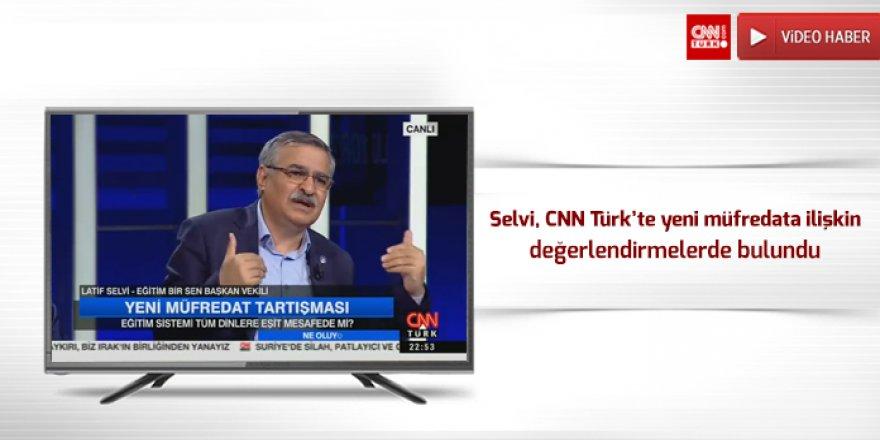 Latif Selvi, CNN Türk'te yeni müfredata ilişkin değerlendirmelerde bulundu