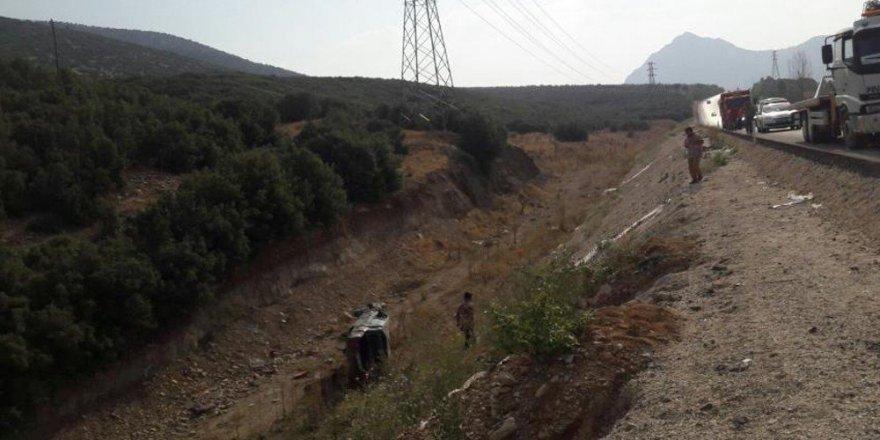 Okul yolunda kaza: 2 ölü