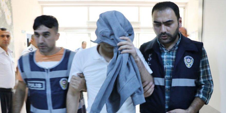İzmir'de avukatlara FETÖ operasyonu: 26 gözaltı