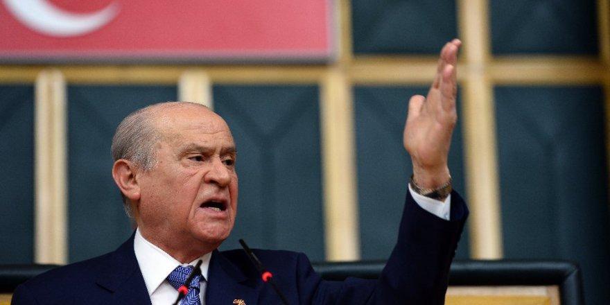 Bahçeli Davutoğlu'nu hedef aldı