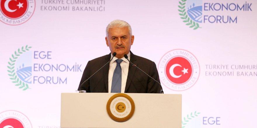 """Başbakan Yıldırım,""""Türkiye'nin 2018'i 2017'den daha iyi olacak, bunu kesinlikle bir yere not edin"""""""