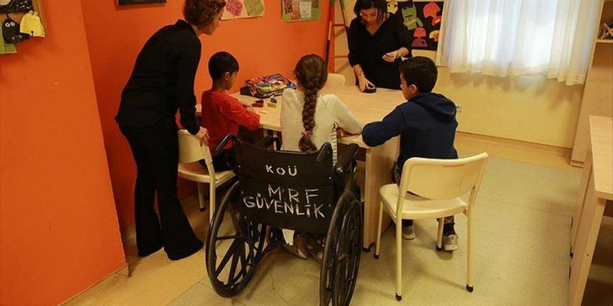 Psikolojik destek ihtiyacı olan çocuklara 'Gündüz Kliniği'