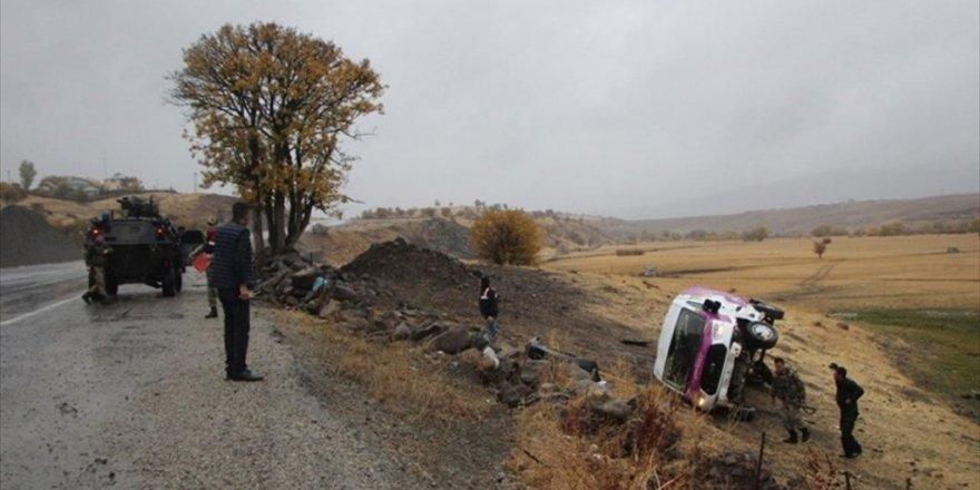 Halı Saha Yolunda Kaza: 19'u çocuk 23 kişi yaralandı