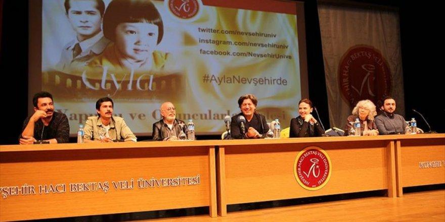 'Ayla' filminin oyuncuları öğrencilerle buluştu