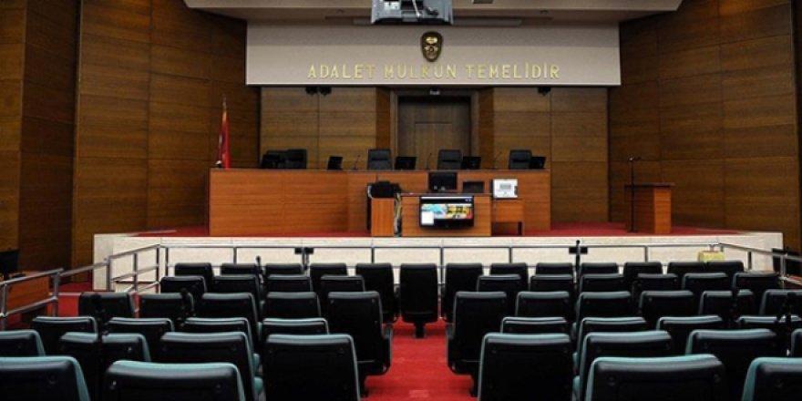 Sahte diploma ile 15 yıl öğretmenlik yapan kadına beraat