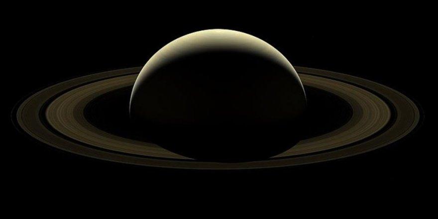 Cassini'nin Satürn'e 'son bakışı'