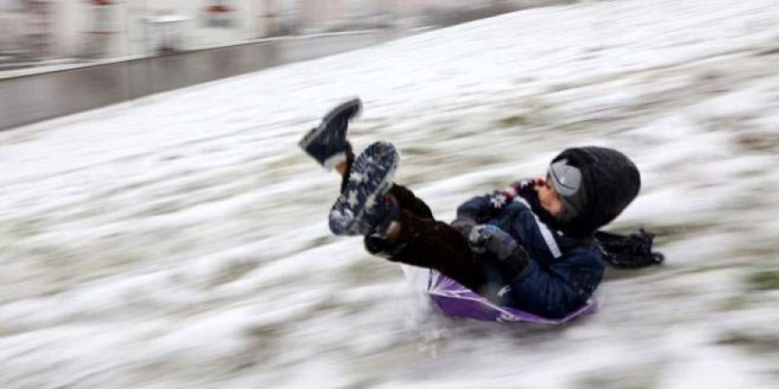 İlk kar tatili haberi Düzce'den geldi