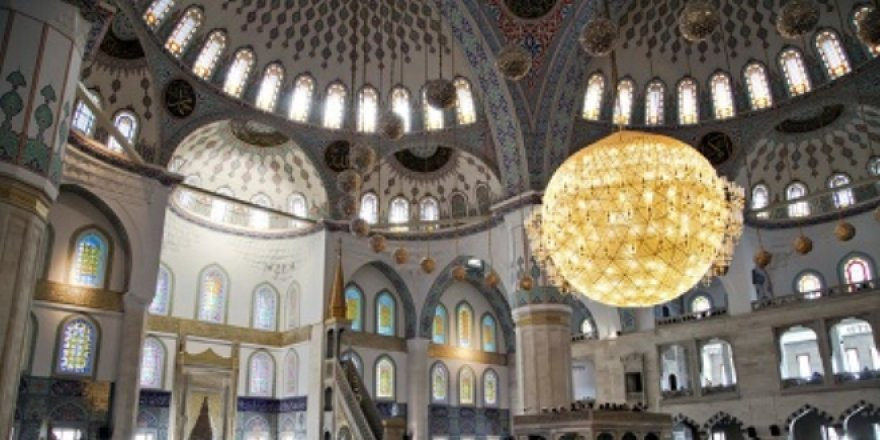 Camilerde Kudüs hutbesi okundu