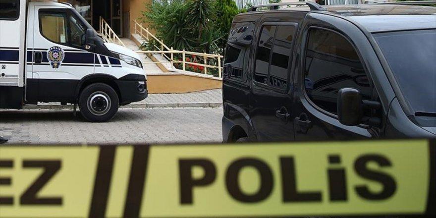 PKK şüphelisi emniyetin üçüncü kat balkonundan atladı
