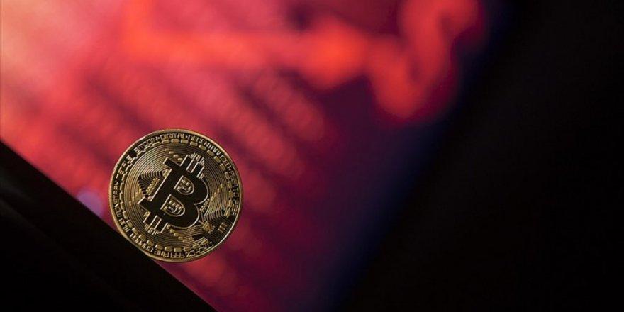 Bitcoin'de düşüş sürüyor