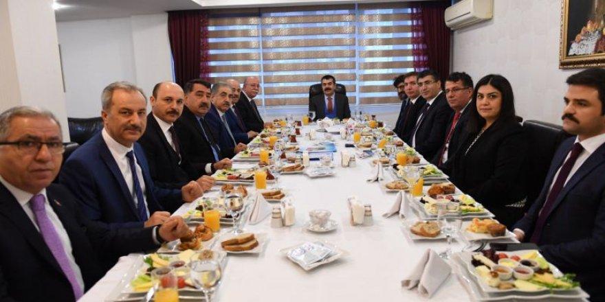 MEB'in Sorunları Masaya Yatırıldı - Türk Eğitim-Sen ve MEB Yöneticileri Görüşmesi