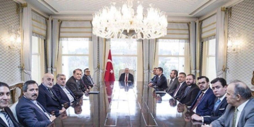 Başbakan: PYD'ye destek verenler hedefimiz olur