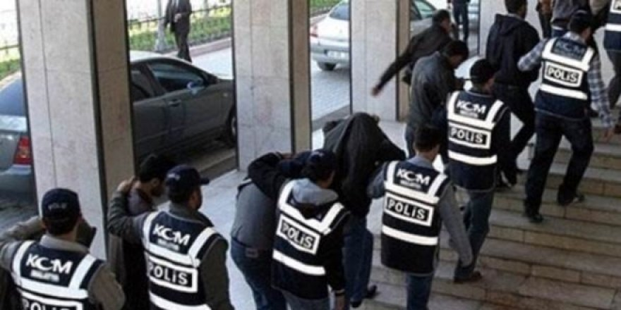 7'si görevde 16 subaya FETÖ gözaltısı