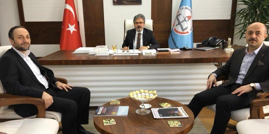 Eğitim-Bir-Sen, İstanbul İl Müdürüne Sahip Çıktı: Haberler Çarpıtma!