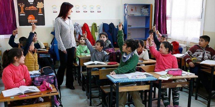 Öğretmenlere sınavsız tezsiz yüksek lisans imkanı
