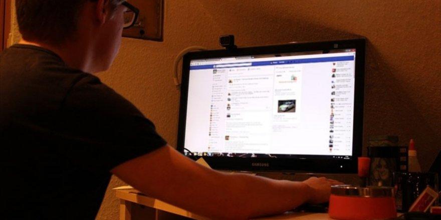 'Bilgisayar bağımlılığı gençlerde inme riskini artırıyor'