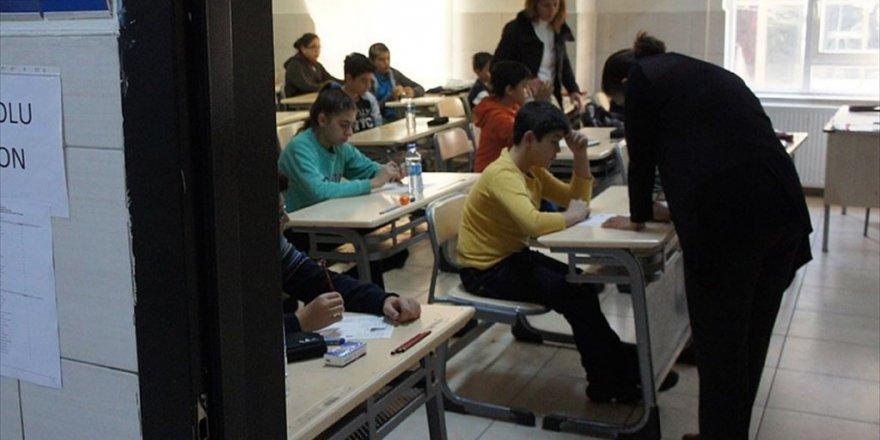 Liselere girişte merkezi sınav başvuruları sona eriyor