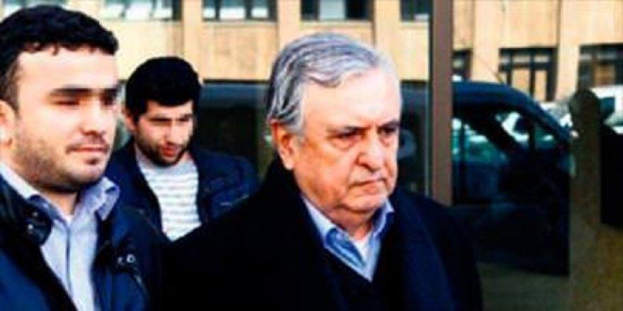 Eski bakan İstanbul'da bıçaklanarak öldürüldü