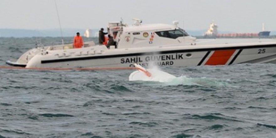 FETÖ'cülerin teknesi kayalıklara çarptı, 16 kişi yakalandı