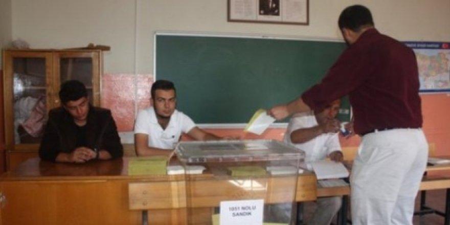 Seçim görevi için öğretmenlerin bilgisi OHAL Komisyonu'na gönderiliyor
