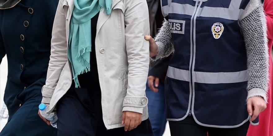 FETÖ kurumlarında öğretmenlik yapan 2'si kadın 9 kişiye gözaltı