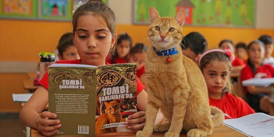 Öğrencilerin sevgilisi 'Tombi' kitap kahramanı oldu