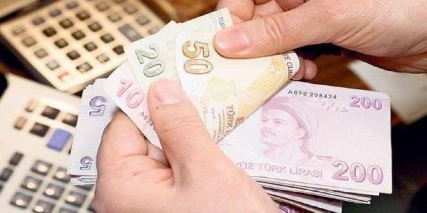 Türk-İş'ten yüzde 15 ve 300 TL seyyanen zam talebi