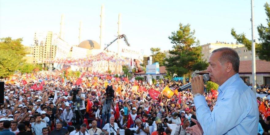 Erdoğan: Nerede terör var tepelerine bineceğiz