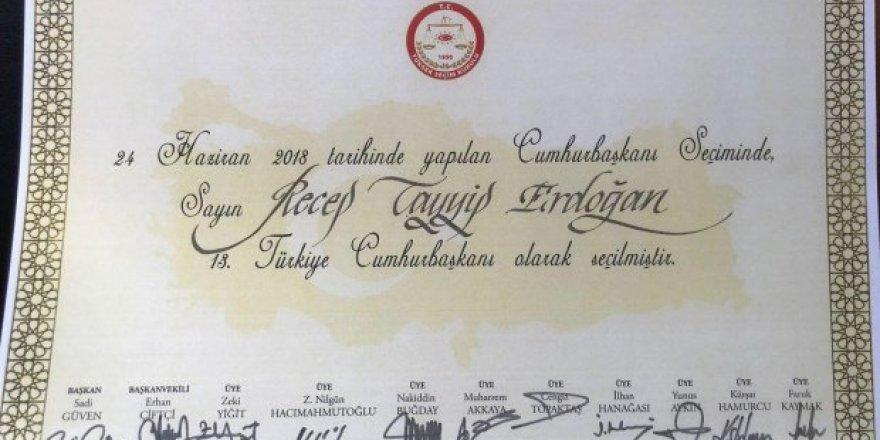 İşte Erdoğan'ın Cumhurbaşkanlığı mazbatası!