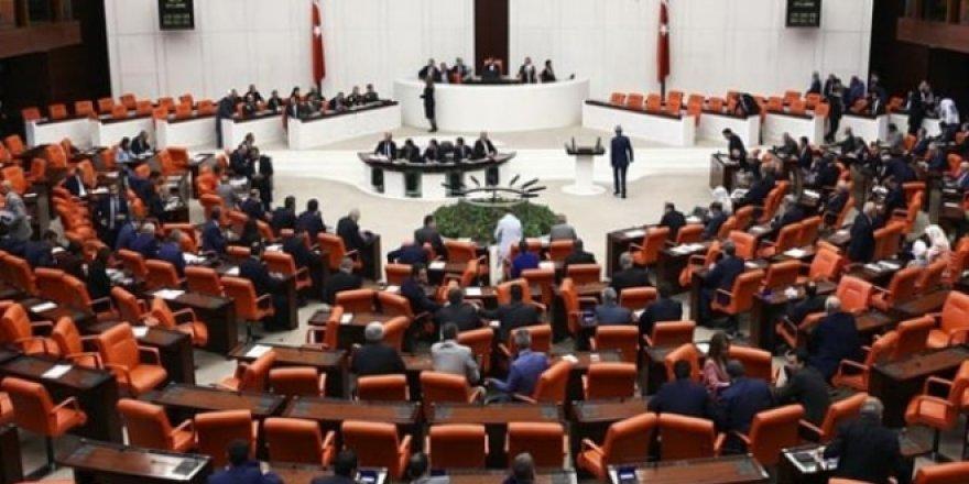 MHP'den Kanun Teklifi: Ek Ders Ücretleri 2 Kat Artırılmalı