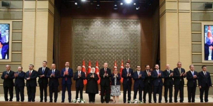 AK Parti'de yeni bakanlar için siyasete uyum çalışması