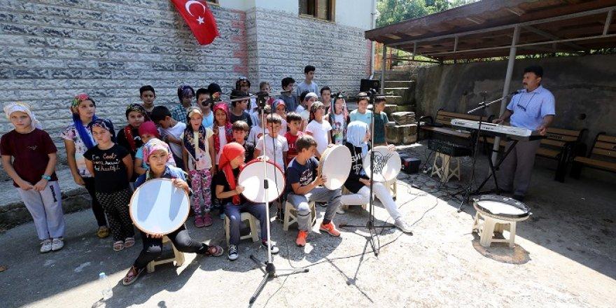 'Muhteşem Hoca'dan çocuklara 'eğlenceli' Kur'an eğitimi