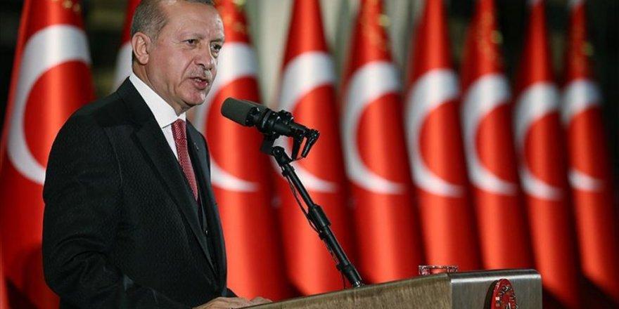 Cumhurbaşkanı Erdoğan: Zaferlerini er meydanında kazanmakla maruf bir milletiz