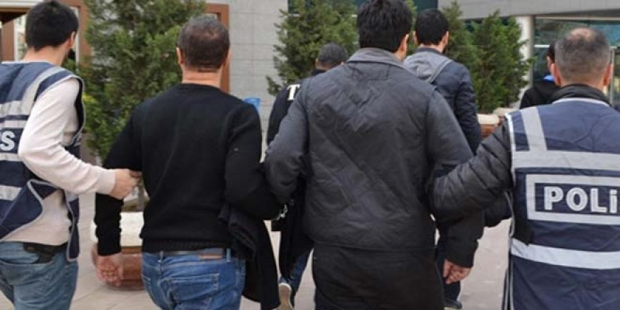 Eski öğretmenler dahil 14 kişiye FETÖ gözaltısı
