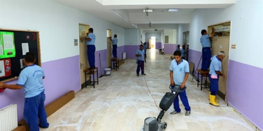 Okullara 60 bin temizlik, 20 bin güvenlik görevlisi alınacak