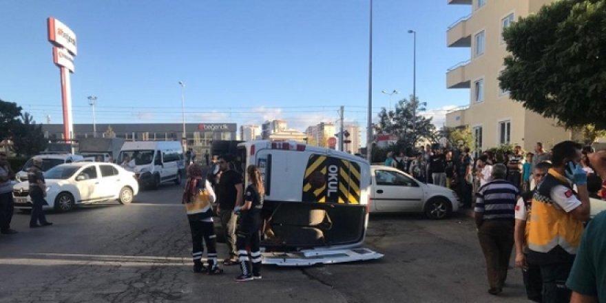 Okul servisi ile minibüs çarpıştı: 7 yaralı
