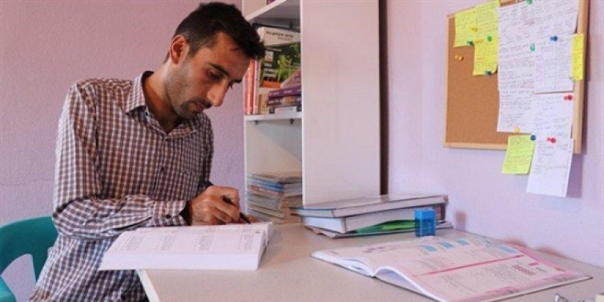 Evde hazırlandığı KPSS'de Türkiye birincisi oldu