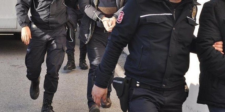 Aktif görevdeki 110 askere FETÖ'den gözaltı