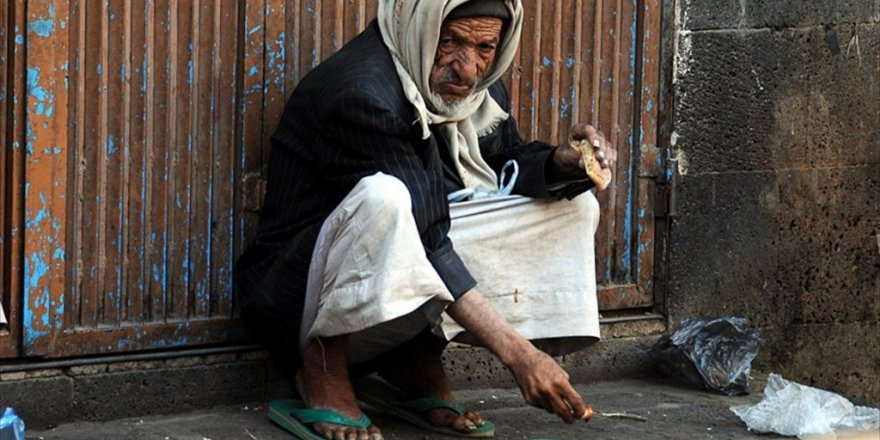 'Yemen'de insanlar kıtlıktan ot yemeye başladı'