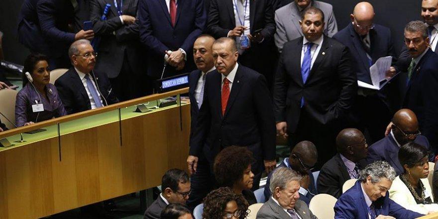 Trump konuşurken Erdoğan salonu terk etti haberi yalan