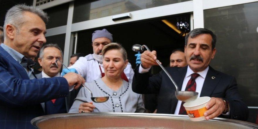 Türkiye Kamu-Sen'in Geleneksel Aşure İkramı Yapıldı