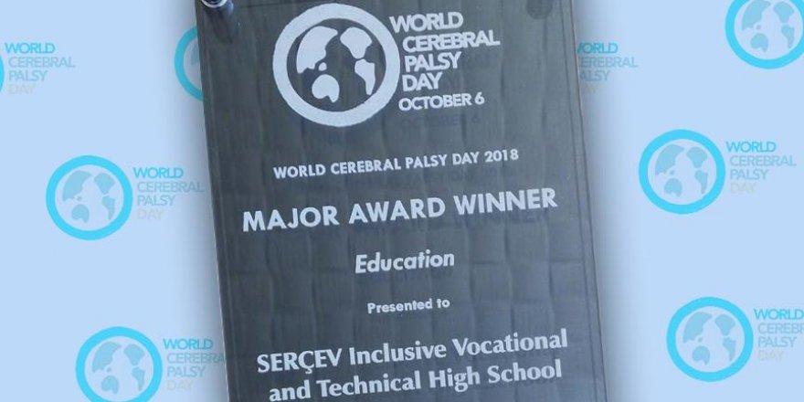 Fark yaratan lise SERÇEV dünya birincisi seçildi