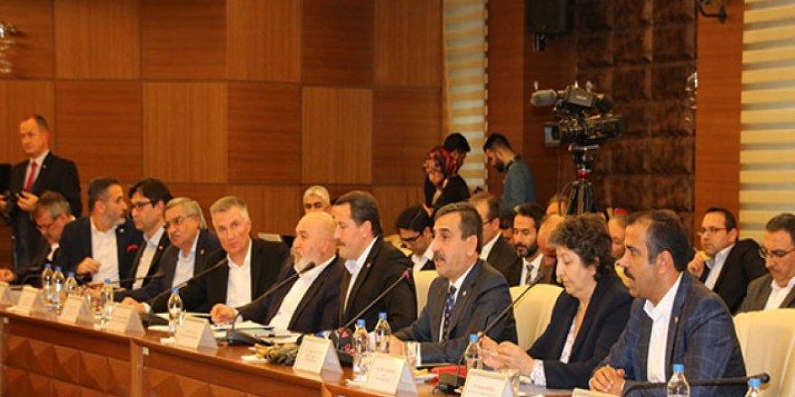 Sendikalar, KPDK Toplantısında 91 Talep Dile Getirdi