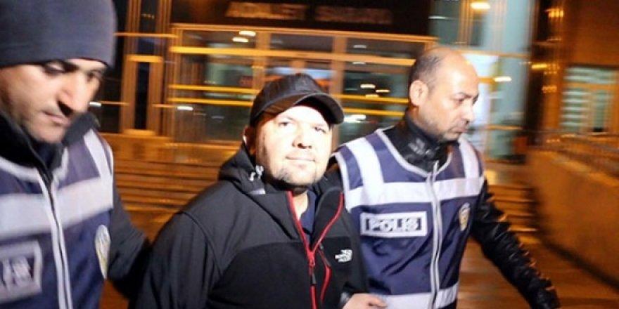 Son dakika: Tarihçi-yazar Talha Uğurluel'e FETÖ'den hapis cezası
